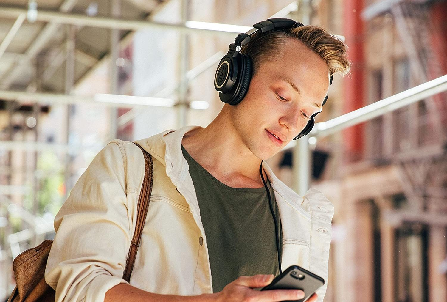Best Budget Audiophile Headphones of 2021 - How To Enjoy Your Favourite Music On A Budget